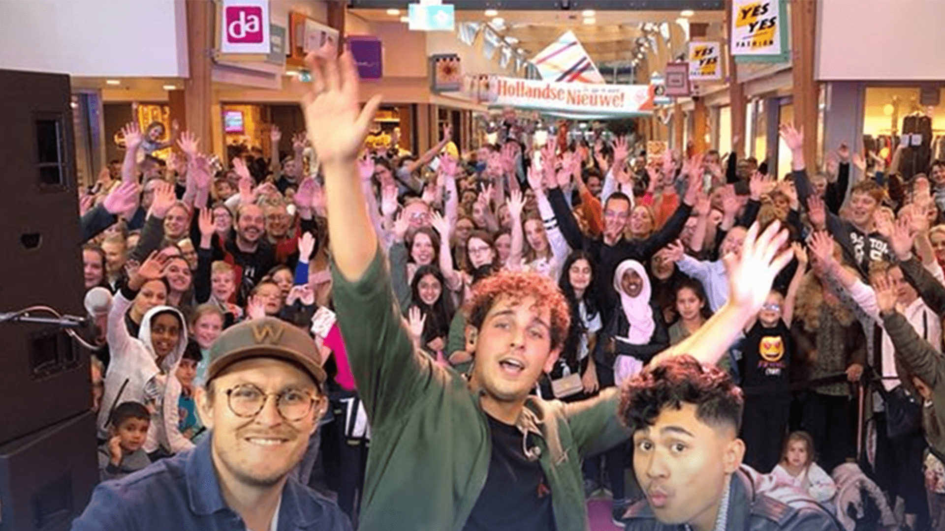Dutch singer Nielson in shopping mall De Hoven Delft